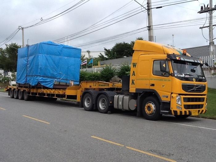 特殊トレーラーの輸送状態